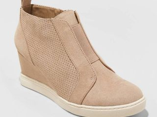 Women s Kolie Microsuede Wedge Sneakers   A New Day Taupe  Brown  7 5