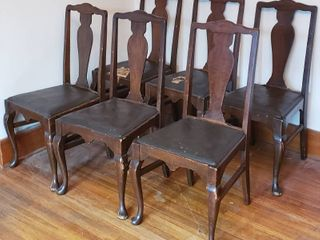 Vintage Set of 6 leather Seat Chairs   2 Seats are Damaged   Seat  16 in