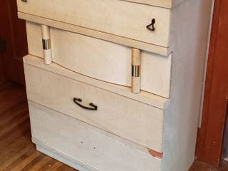 Vintage Blonde 4 Drawer Chest   31 x 17 x 40 in  tall    some damage and missing one drawer pull