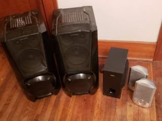 Pair of large Black Sony Speakers  RCA Subwoofer Speaker and Pair of Silver GPX speakers