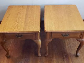 Pair of Oak Single Drawer End Tables   Queen Ann legs   21 x 26 x 23 in  tall