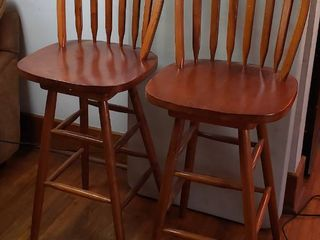 Pair of 29 in  Swivel Barstools   Seat  17 5 in  wide