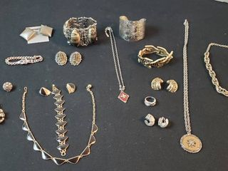 Vintage Silvertone Fashion Jewelry  Necklaces  Bracelets  Rings and Clip Earrings