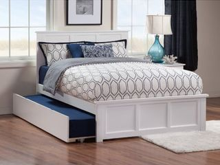 Madison Full Platform Bed with Matching Foot Board with Twin Size Urban Trundle Bed in White  Retail 556 99