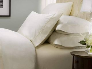 Hotel Signature Sateen Collection  800 Thread Count 100  Cotton 6 Piece Set  Mismatched Sizes  White
