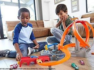 Hot Wheels Spin Storm Trackset with one Hot Wheel Car