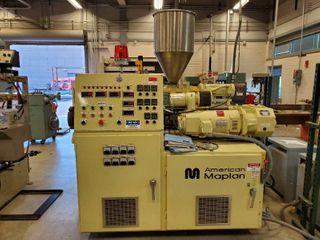 1999 American Maplan Plastic Extrusion Machine Con 40