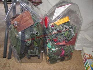 2 Plastic bins of army men   tanks SEE PICS