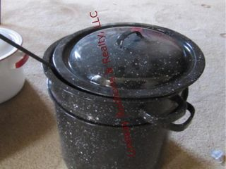 Granite soup pot  strainer   ladle