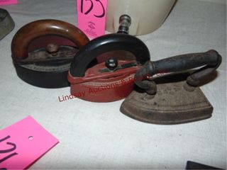 3 vintage cast irons