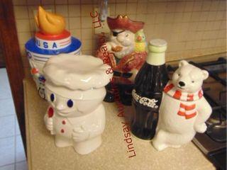 4 cookie jars  SEE PICS