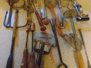 19pcs of vintage kitchen utensils