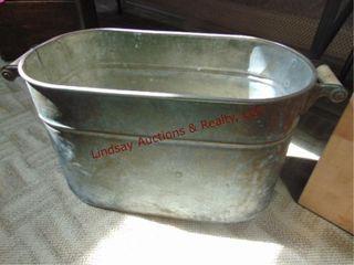 Galvanized metal boiling tub 22  x 11 5