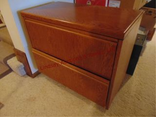 2 drawer oak lateral file cabinet 37 x 20 x 29 5