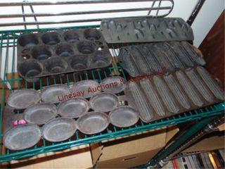 5 pcs of cast iron muffin trays