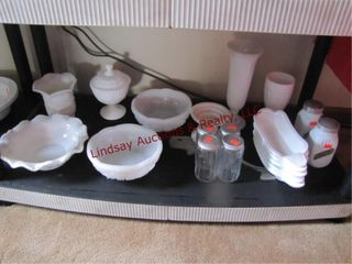 Approx 20 pcs milk glass   4 clear S P shakers