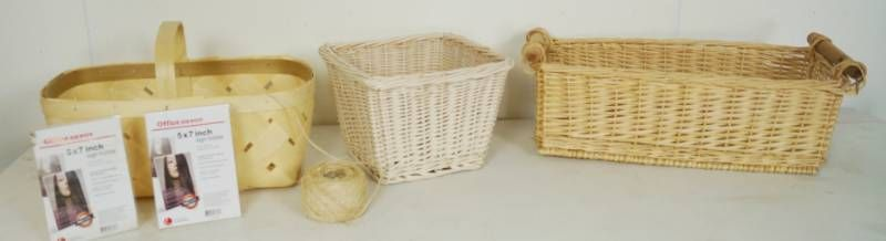 lot of Nice Baskets and 2 5x7 Plastic Picture Holders