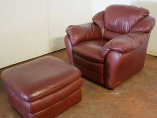 Very Nice leather Chair and Ottoman    Italsofa