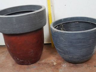 lot of 2 Plastic Flower Pots  See Photos