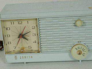 Beautiful Vintage Zenith Radio