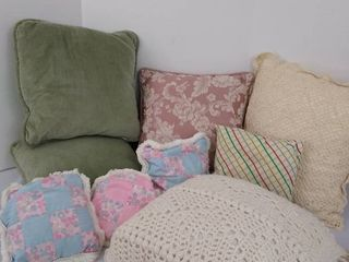 9  throw pillows