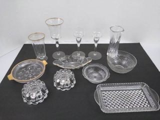 12 pieces of glassware