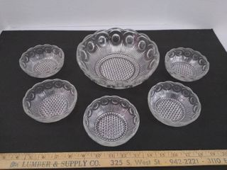 6 piece set of 5 small bowls and one large