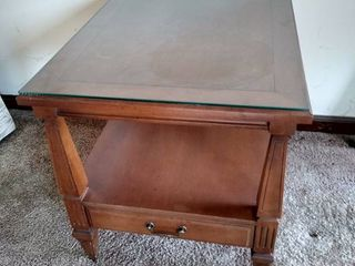 Hammary endtable with one drawer 10 H X 20 W X 25 1 2 D