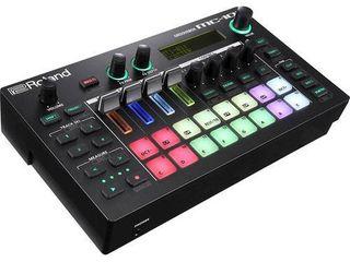 Roland   Groovebox   Black   1 knob missing