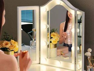 Vanity Mirror w  Doors   Charger