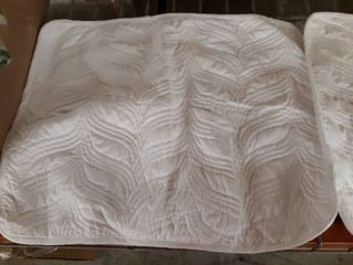Sufuee Comforter Queen Size and Pillow shams