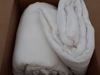 Amazon White Comforter Size Unspecified