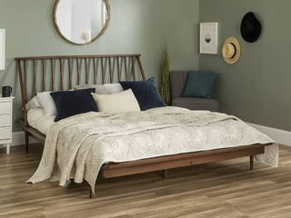 Walker Edison Furniture Modern Wood Queen Spindle Bed  Walnut