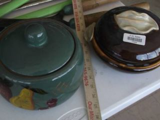 lot of 2 painted ceramic pots with lids