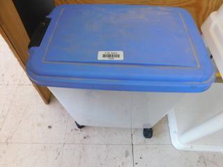 plastic rolling bin with wheels and lid