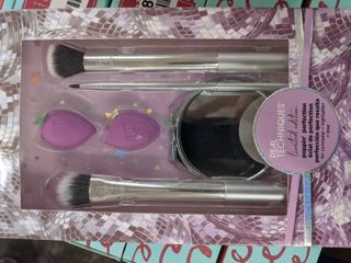 Real Techniques limited edition poppin perfection set
