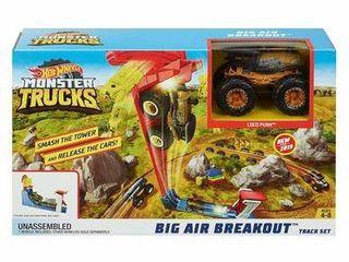 Hot Wheels Monster Trucks Big Air Breakout Playset