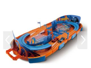 Hot Wheels Carrying Case Racing Game