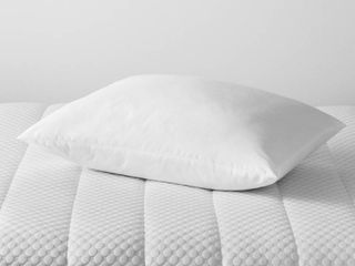 Standard Queen Won t Go Flat Bed Pillow White   Made By Design