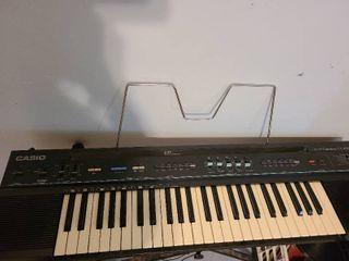 Casio keyboard   works