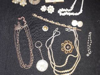 Jewelry lots  Vintage Jewelry with a Cameo Pin