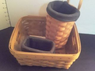 longaberger Basket w 2 extra baskets  see pictures The longaberger has an insert