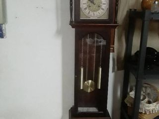 Tempus Fugit Grandfather clock  Has a box with extra weights 75 x 17 5 x 11