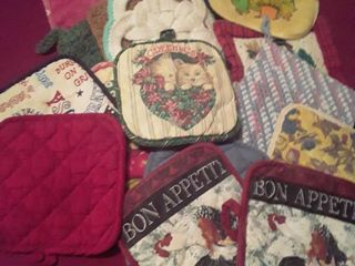 Kitchen Hot Pads  20 Total