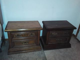 Thomasville 2 Drawer Night Stand Pair  Both need a little TlC  23 x 27 5 x 16