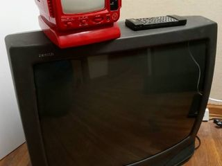Zenith 26 in TV with Remote and 5 in Black and White TV with AM FM Radio