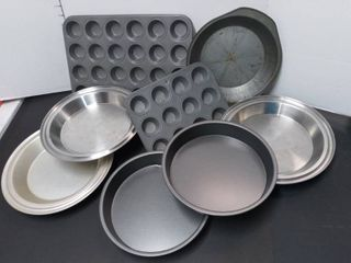 Non Stick Cupcake and Cake Pans 8 Pieces