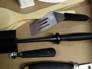 Small lot of Pampered Chef Items