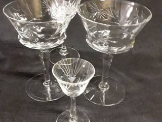 lot of Miscellaneous Glass Stemware   1 is a luminarc