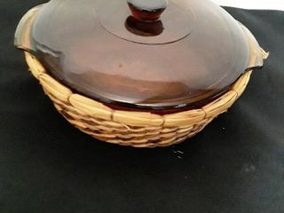 Anchor Hocking Casserole Dish with lid and Wicker Hot Pad
